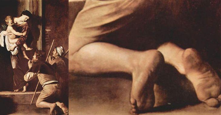 Madonna dei Pellegrini di Caravaggio. A destra il particolare dei piedi
