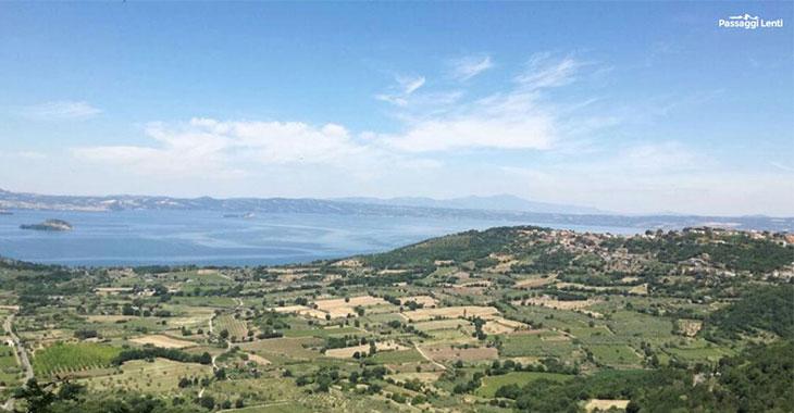 Panorama del lago di Bolsena da Montefiascone