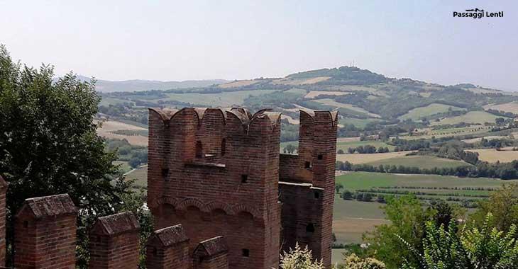 Castello di Gradara, torre merlata