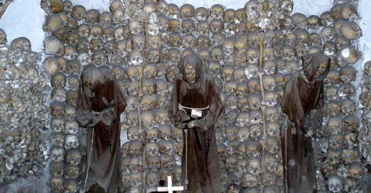 Cripta dei Cappuccini a Roma, i teschi