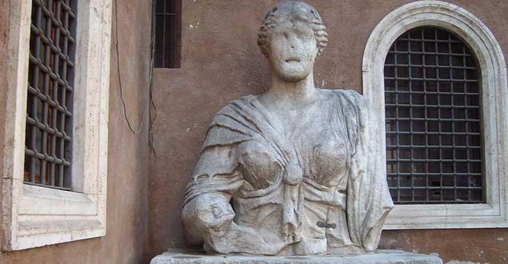 Statue parlanti: Madama Lucrezia