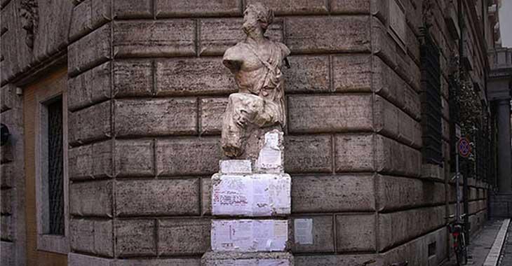 La statua parlante di Pasquino