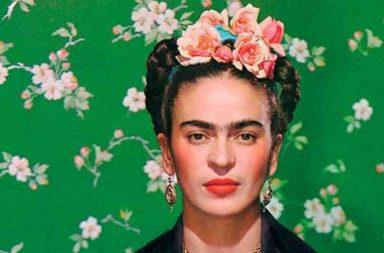 Frida Khalo, protagonista del libro Viva la Vida di Pino Cacucci