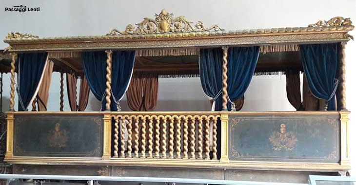 Carrozza del treno di Pio IX, conservato alla Museo Montemartini di Roma