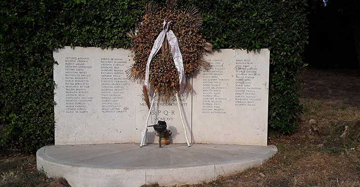 Lapide commemorativa all'ingresso del Parco dei Martiri di Forte Bravetta