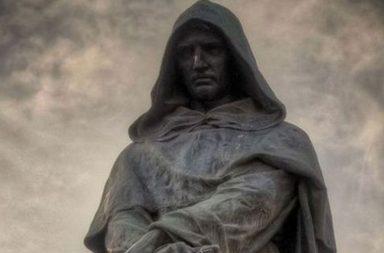 La statua di Giordano Bruno a Campo de' Fiori