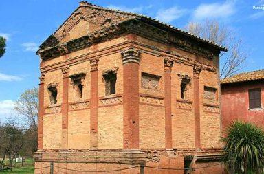 Parco della Caffarella, tomba di Annia Regilla
