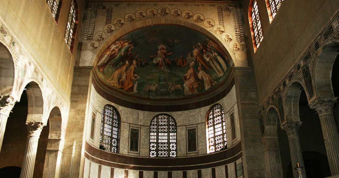 L'interno della Basilica di Santa Sabina a Roma