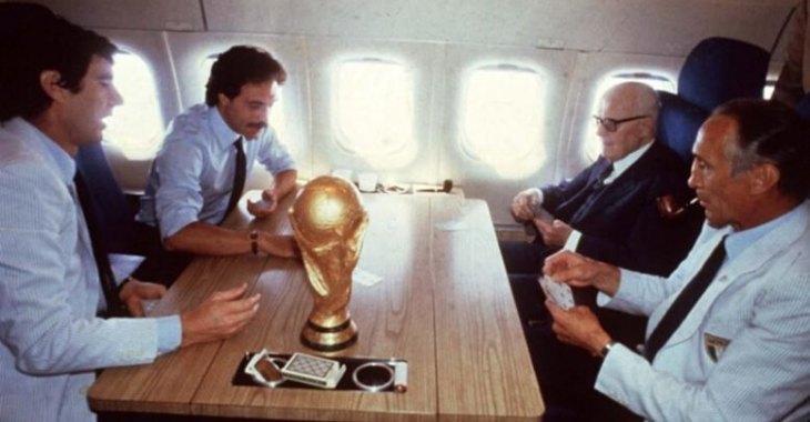 La famosa partita a carte fra Zoff, Causio, Pertini e Bearzot di ritorno dai mondiali di calcio del 1982