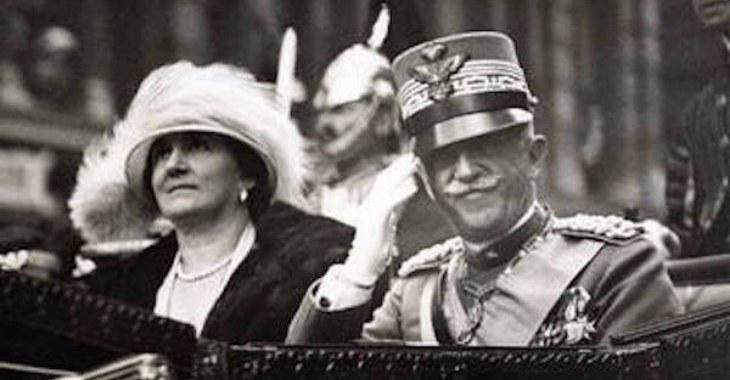 Vittorio Emanuele III e la moglie