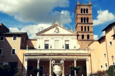 Facciata della Basilica di S. Cecilia