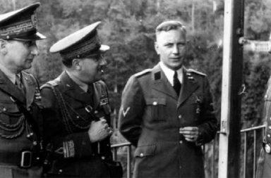 Al centro Herbert Kappler
