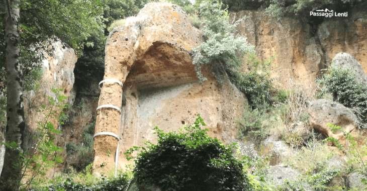 Necropoli di Sovana: la tomba Pola