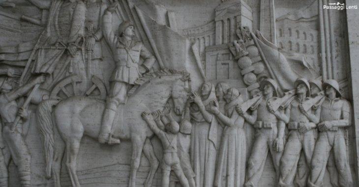 EUR. Il bassorilievo marmoreo realizzato da Publio Morbiducci