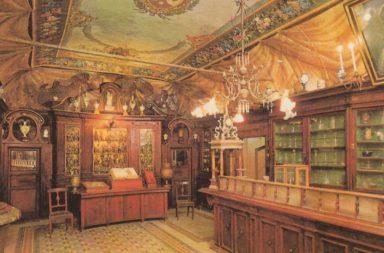 L'interno dell'Antica Farmacia di Santa Maria della Scala a Trastevere
