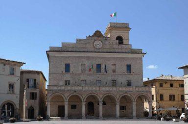 Montefalco. Palazzo comunale