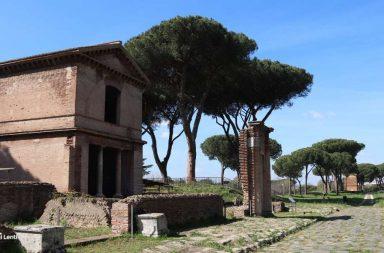 Tombe della Via Latina. scorcio