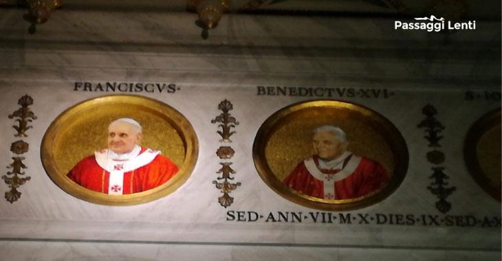 Il medaglione raffigurante Papa Francesco nella Basilica di San Paolo Fuori le Mura